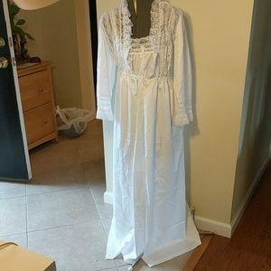 VTG Juli of Slumbertogs Nightgown & Matching Robe